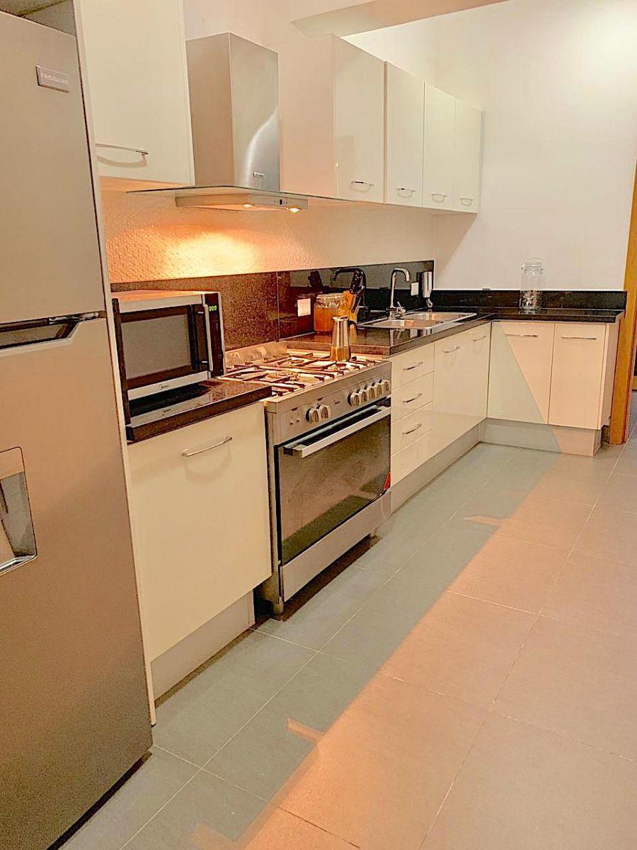 6 de 9: Cocina modular equipada de Primera