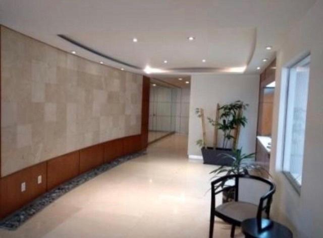 17 de 18: Lobby del Edificio
