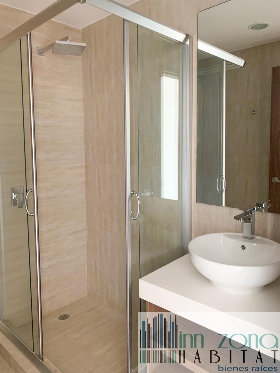 15 de 22: Baño habitación 3