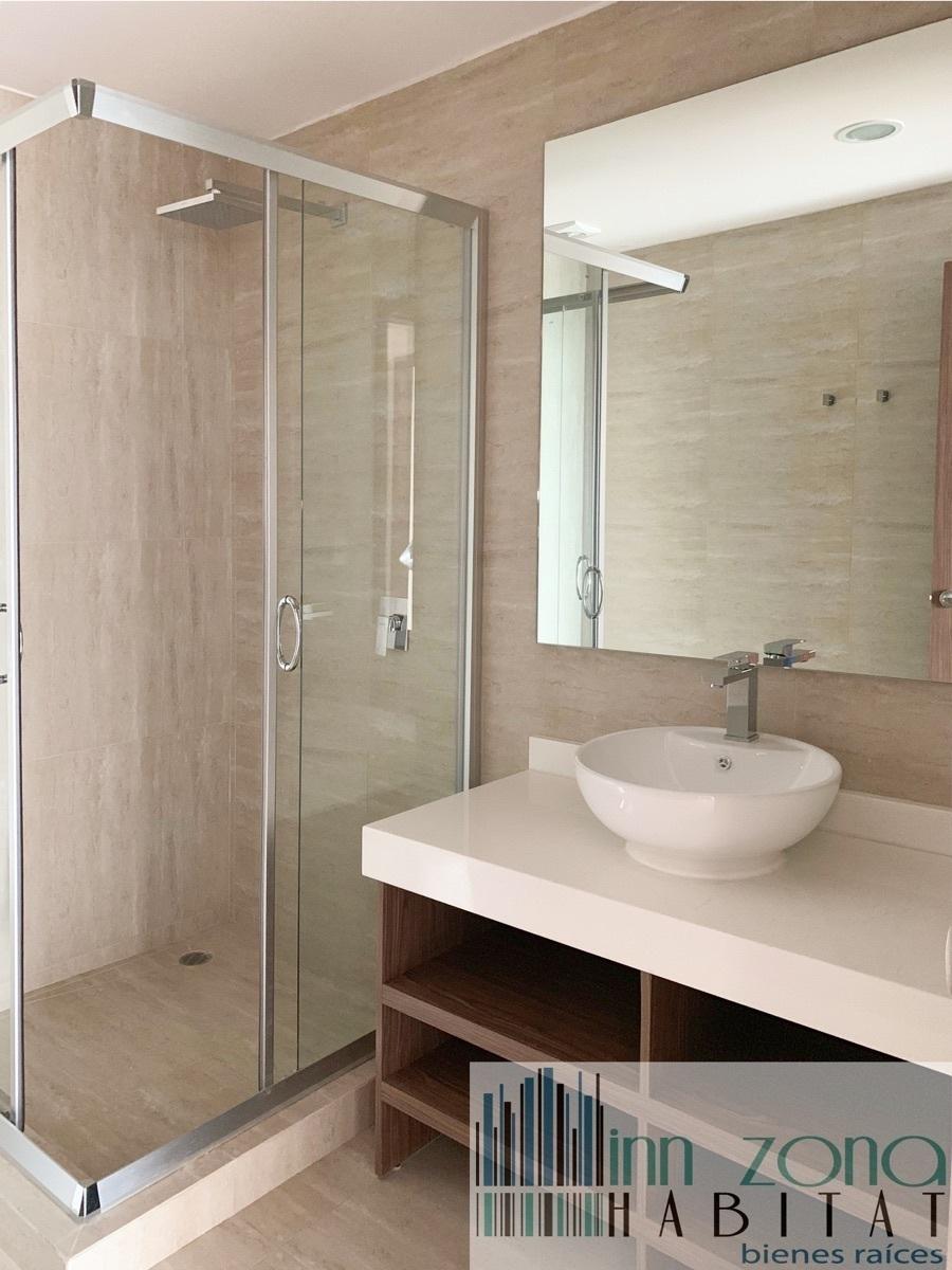 12 de 22: Baño habitación 2