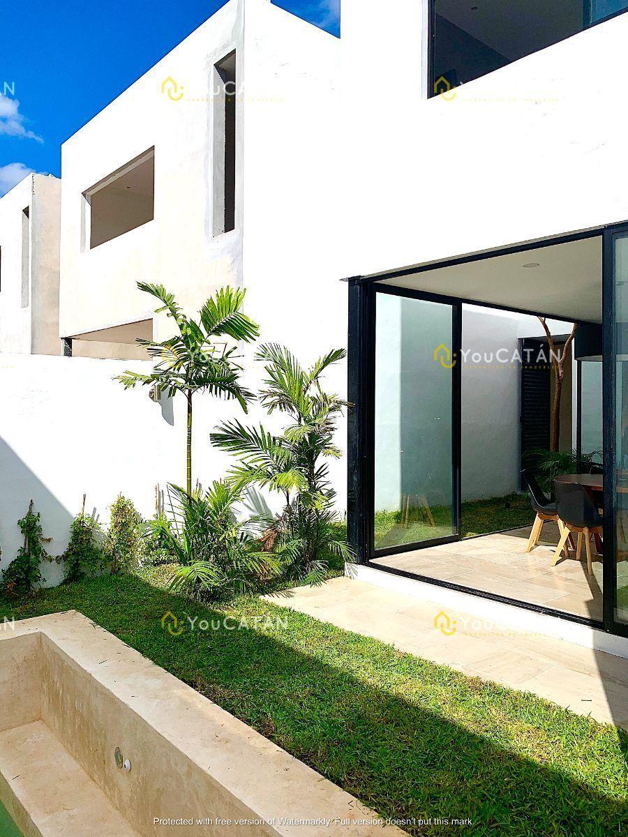 7 de 26: Vista terraza y jardín