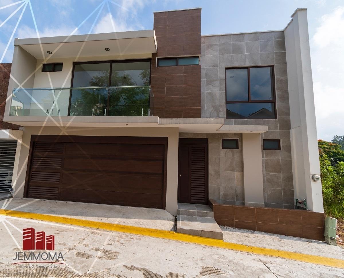Casa A La Venta Con Terraza Panorámica En Real Del Bosque