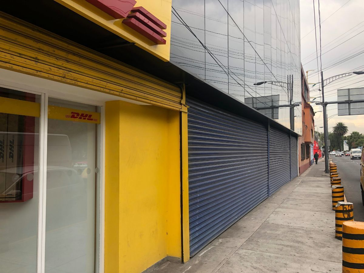 2 de 29: Fachada local comercial