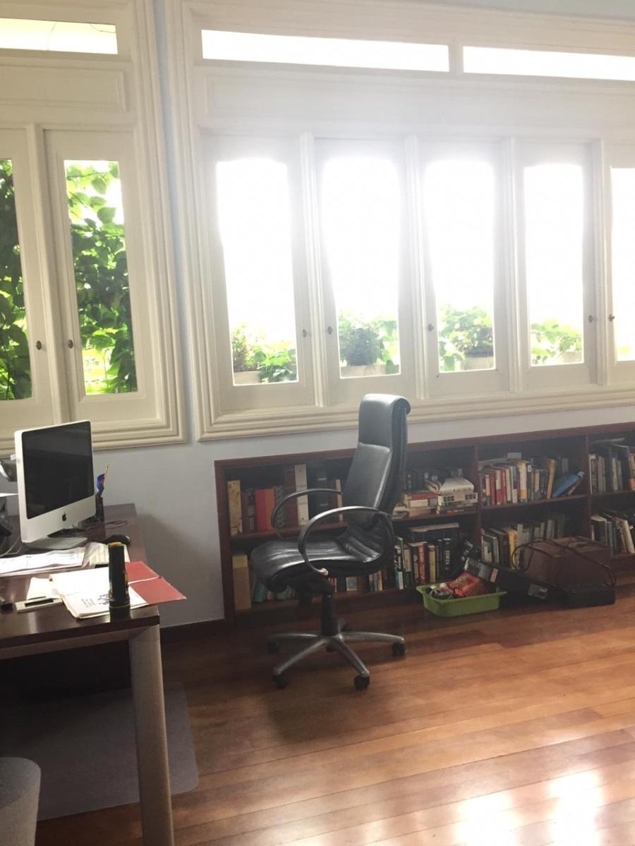 21 de 22: Oficina habitación principal