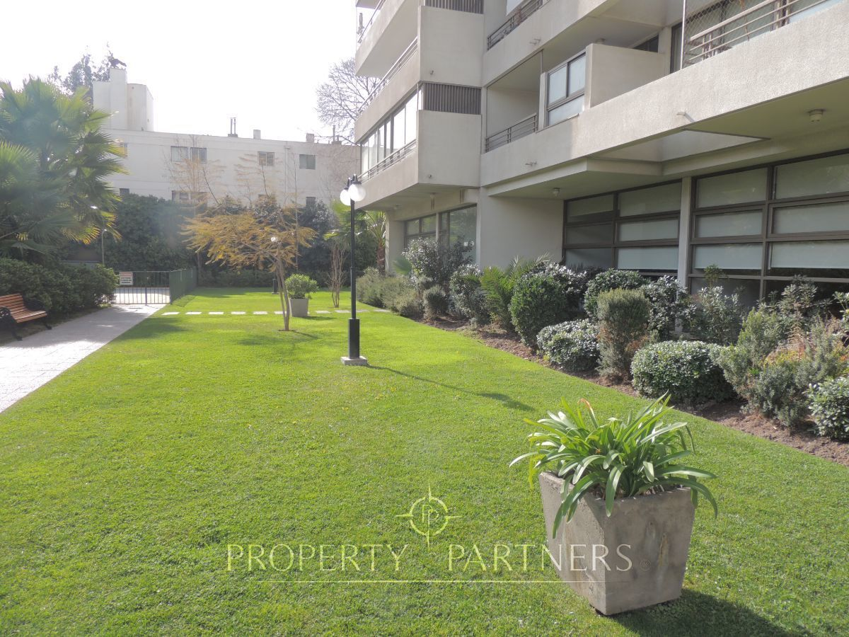 3 de 8: Áreas verdes edificio
