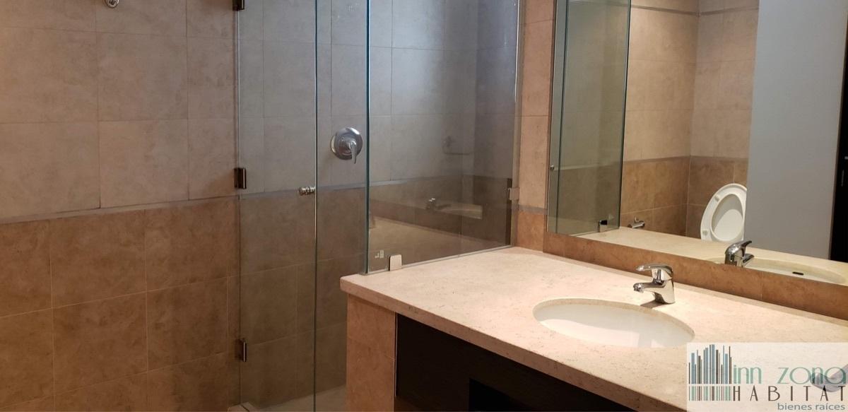 17 de 33: Baño habitación secundaria