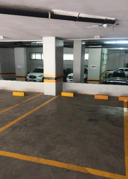24 de 30: ESTACIONAMIENTOS INDEPENDIENTES