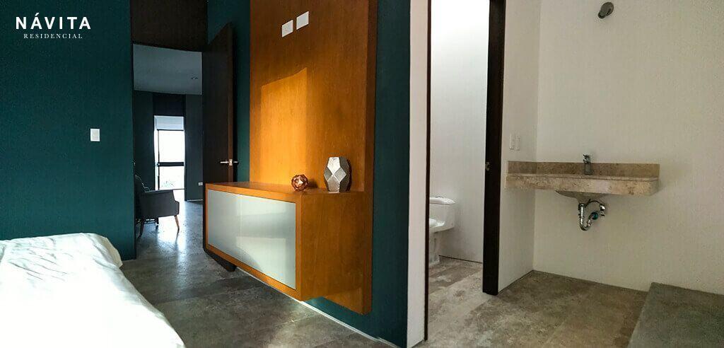 9 de 19: Recamara 02 con closet vetidor y baño completo.