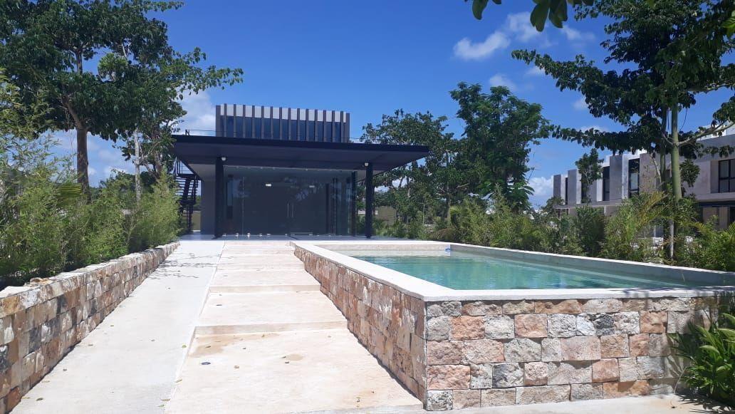 15 de 19: Amenidades: Sala múltiples,gimnasio y  piscina.