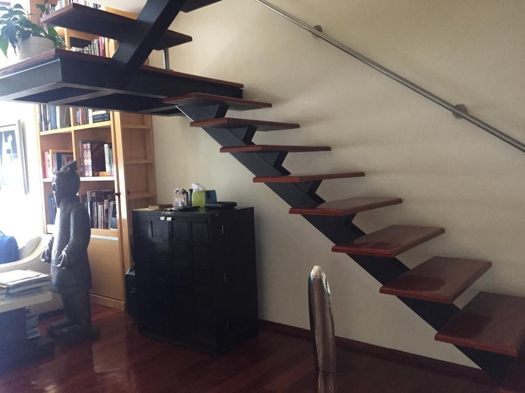 25 de 45: Escaleras