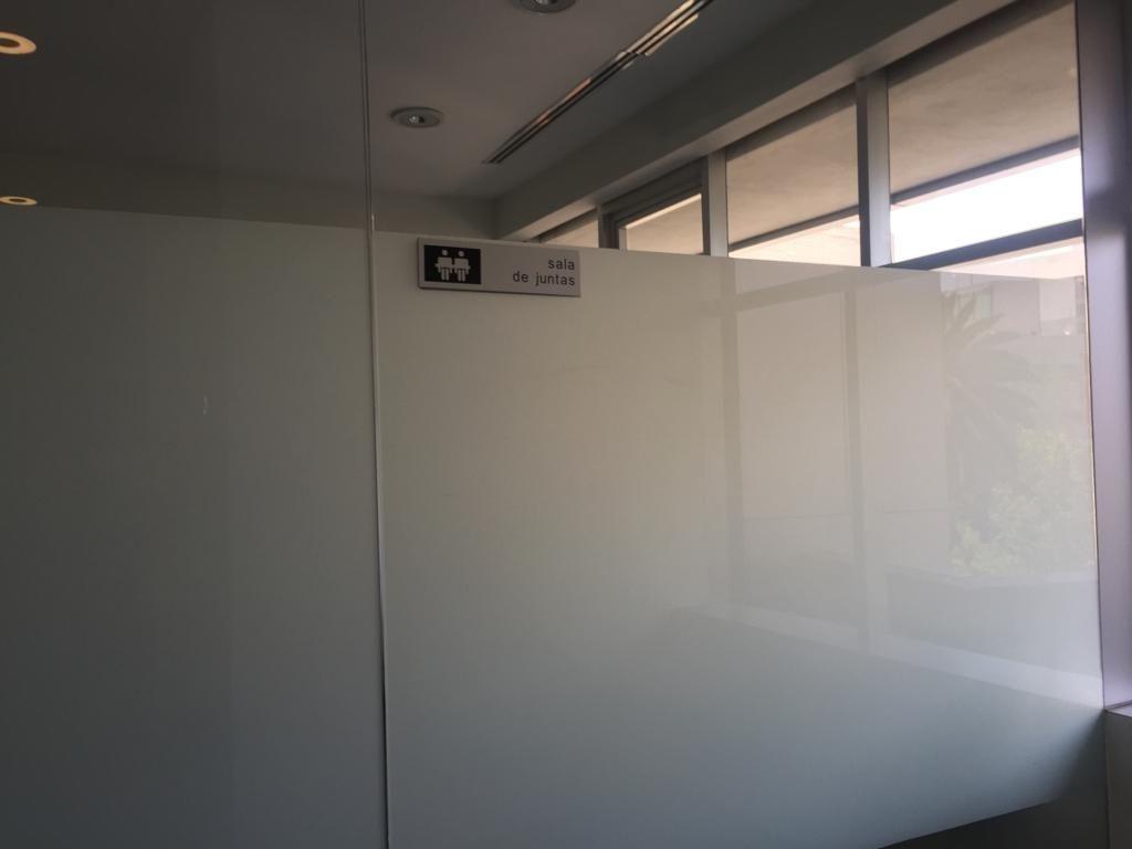 44 de 45: Sala de juntas áreas comunes