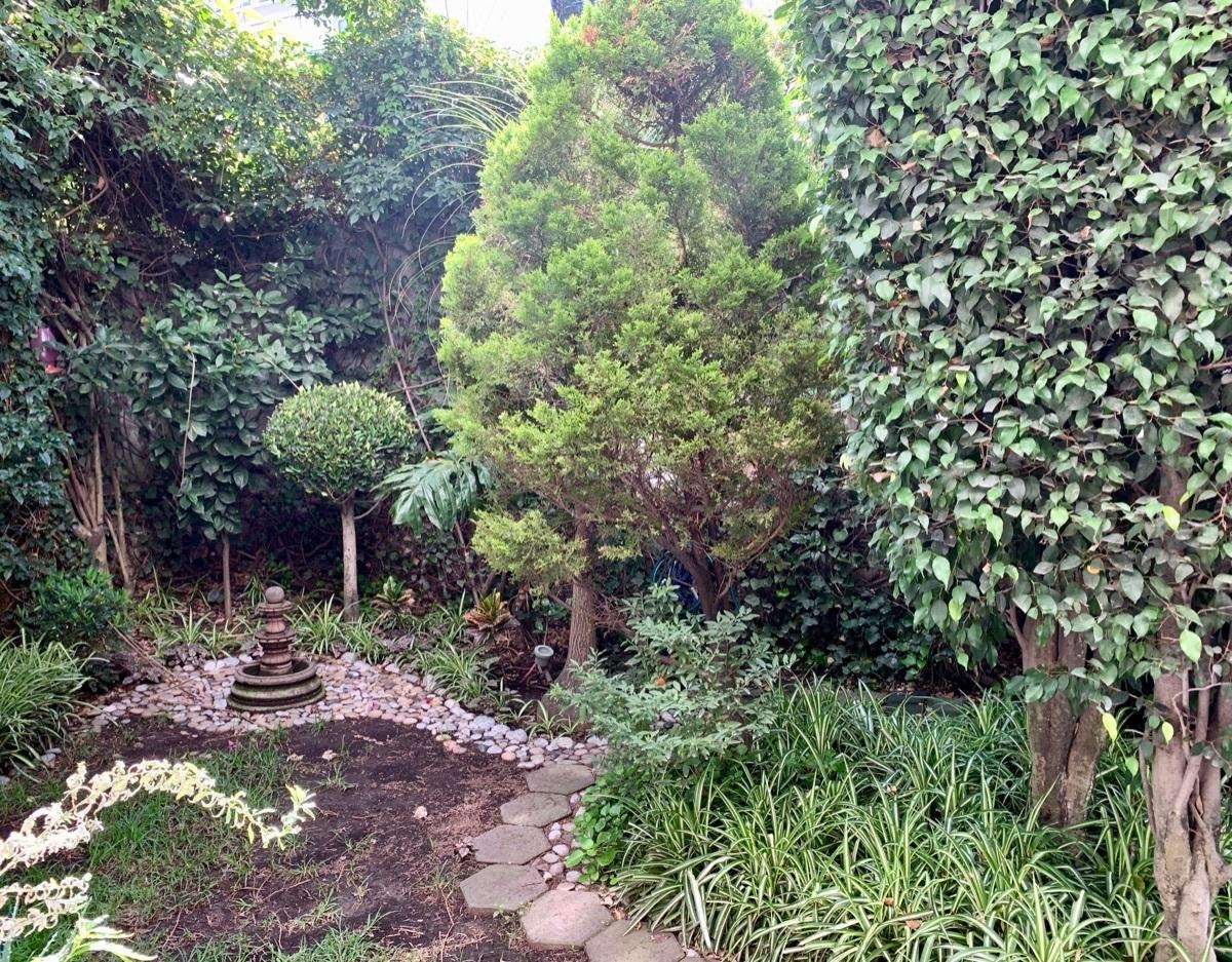2 de 18: Jardín privado