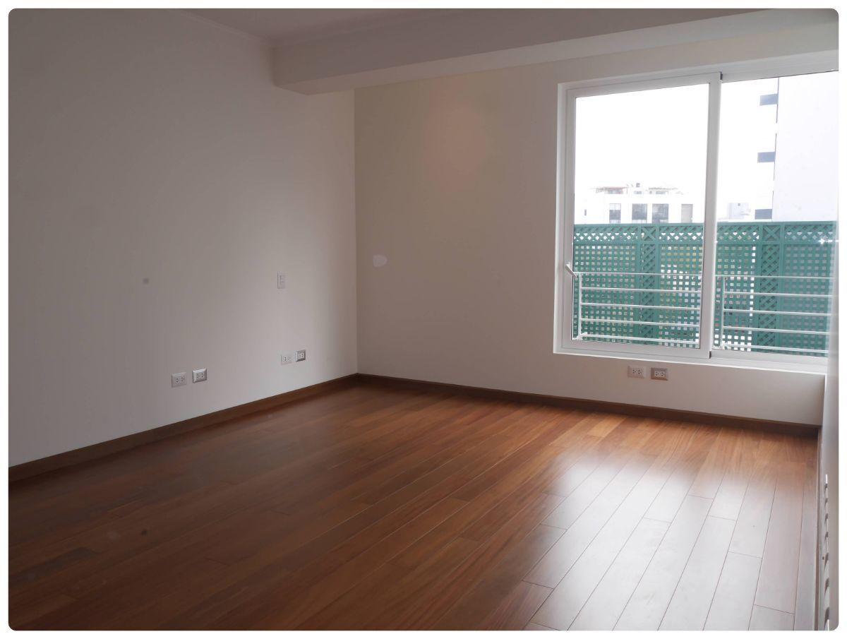 13 de 36: Buen dormitorio secundario con walking y baño