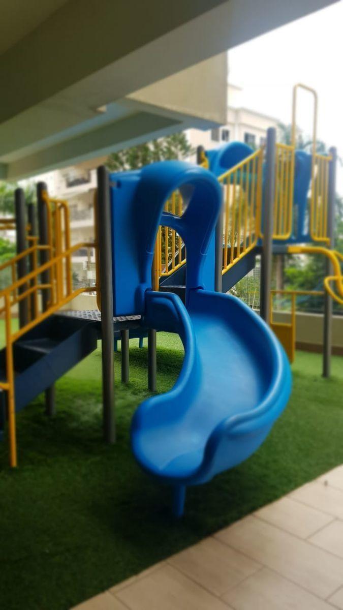 14 of 45: Area de juegos para niños