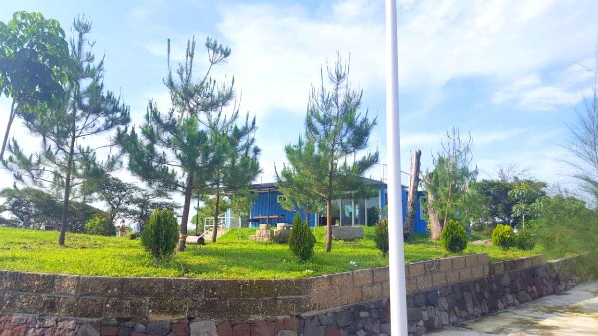 1 de 18: vista desde la entrada de la propiedad