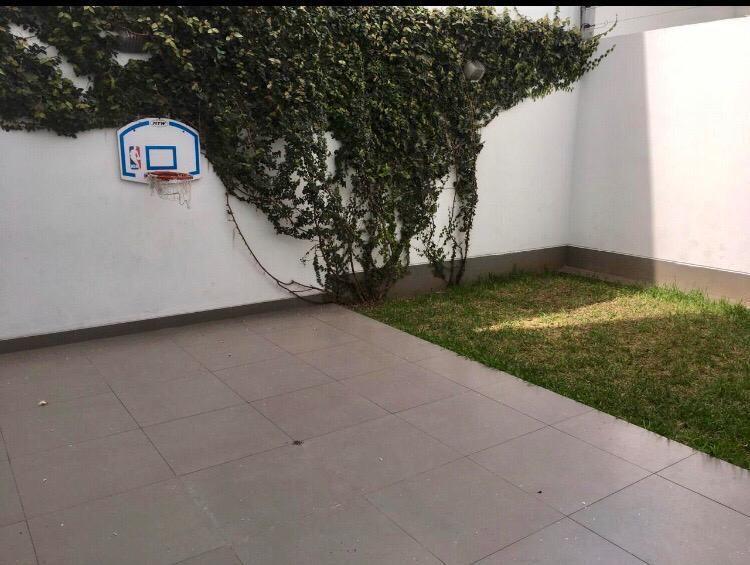 9 de 12: Terraza II con Jardín
