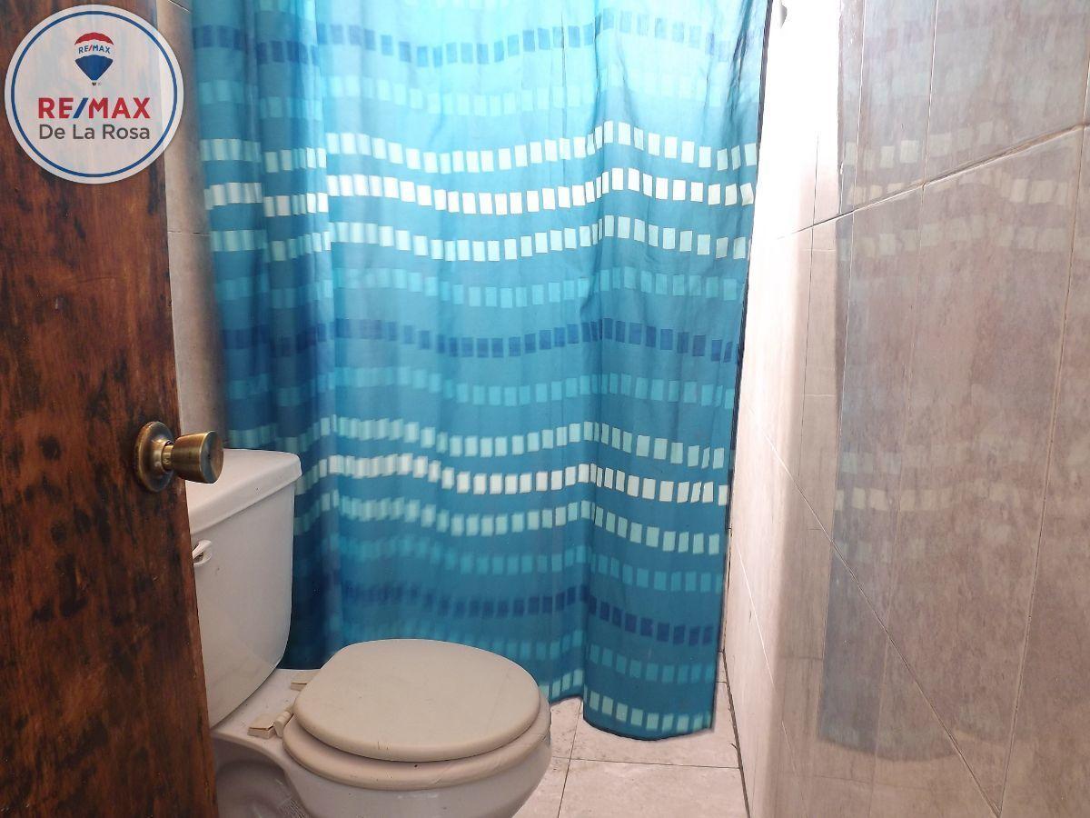 7 de 10: 2 baños completos