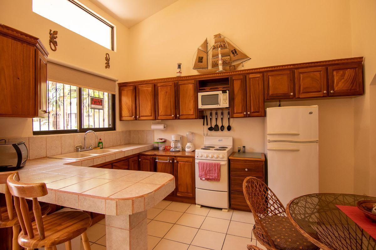 6 of 14: Kitchen