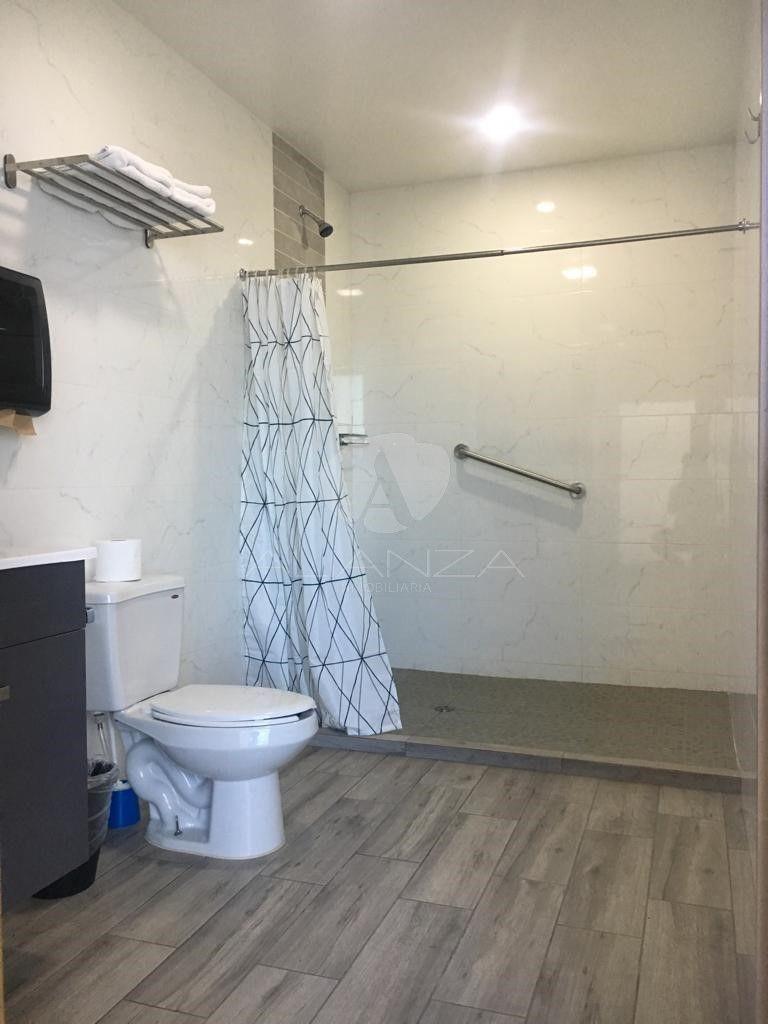10 de 21: Baño de estancia para familiares de pacientes