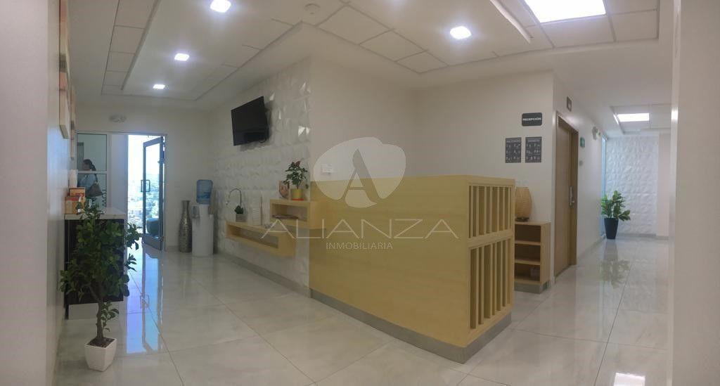 16 de 21: Recepcion de Hotel para familiares de pacientes