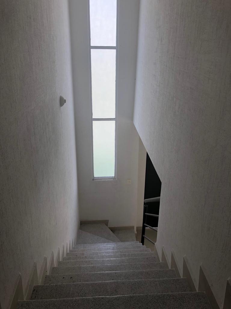 7 de 12: Iluminación en escaleras