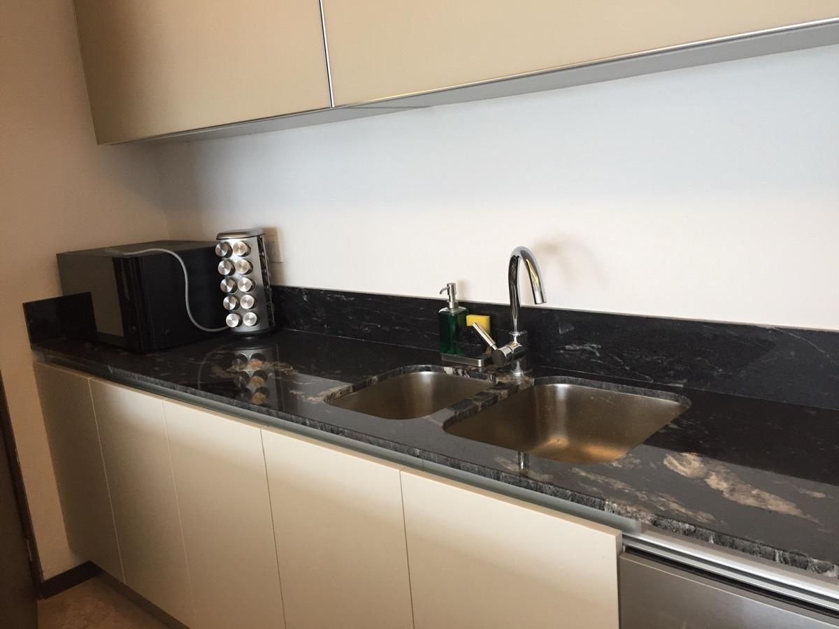 10 de 48: Departamento con cocina amplia con granito