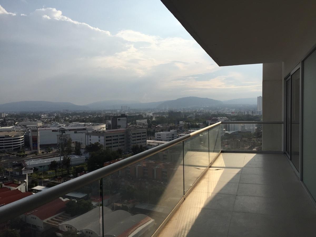 16 de 48: balcón vista al HOTEL RIU
