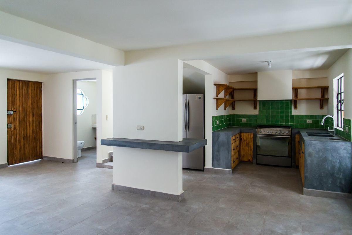 25 of 28: Sala Comedor Cocina entrada principal