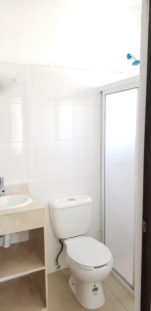 6 de 15: baño completo planta baja