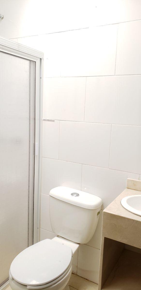 15 de 15: baño planta alta