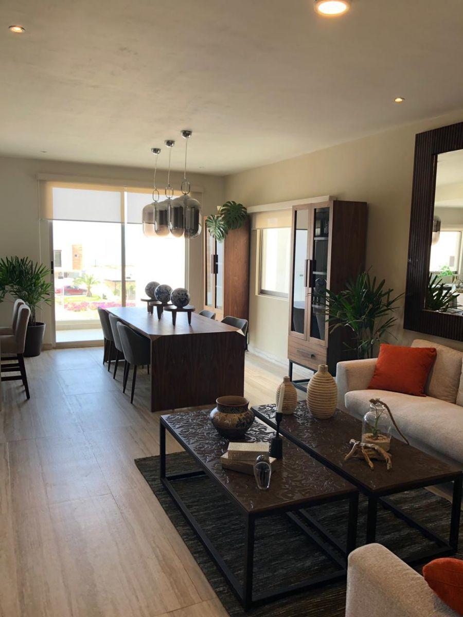 3 de 24: Living Room