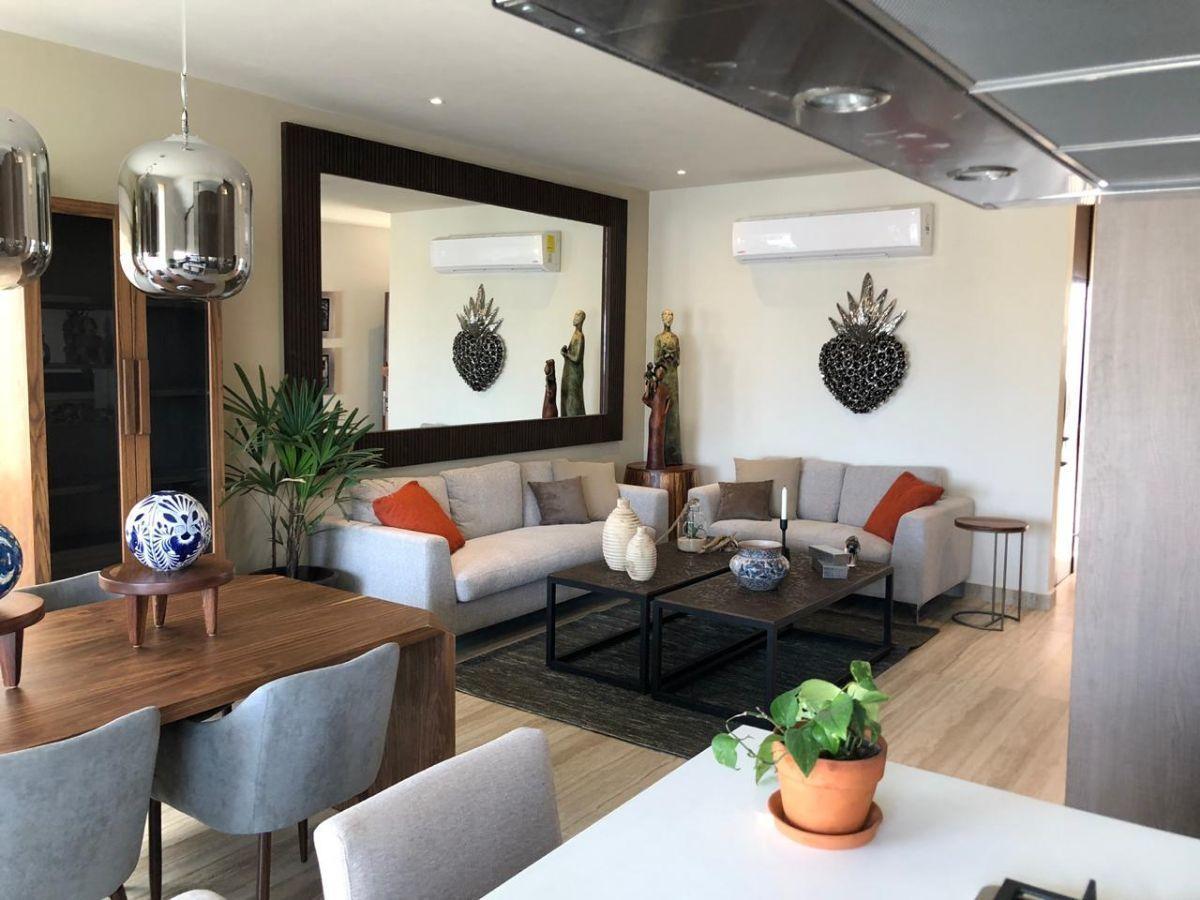 10 de 24: Living Room