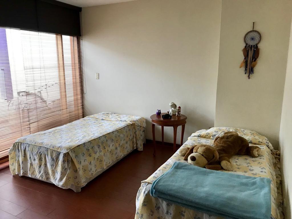 12 de 16: Dormitorio 2