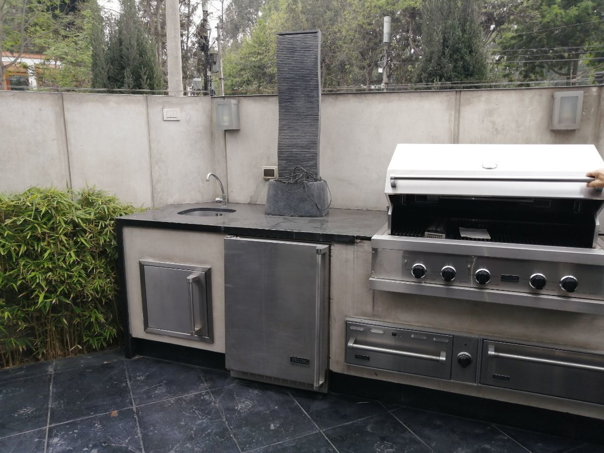 8 de 50: Gran parrilla Viking con dispositivos de lujo