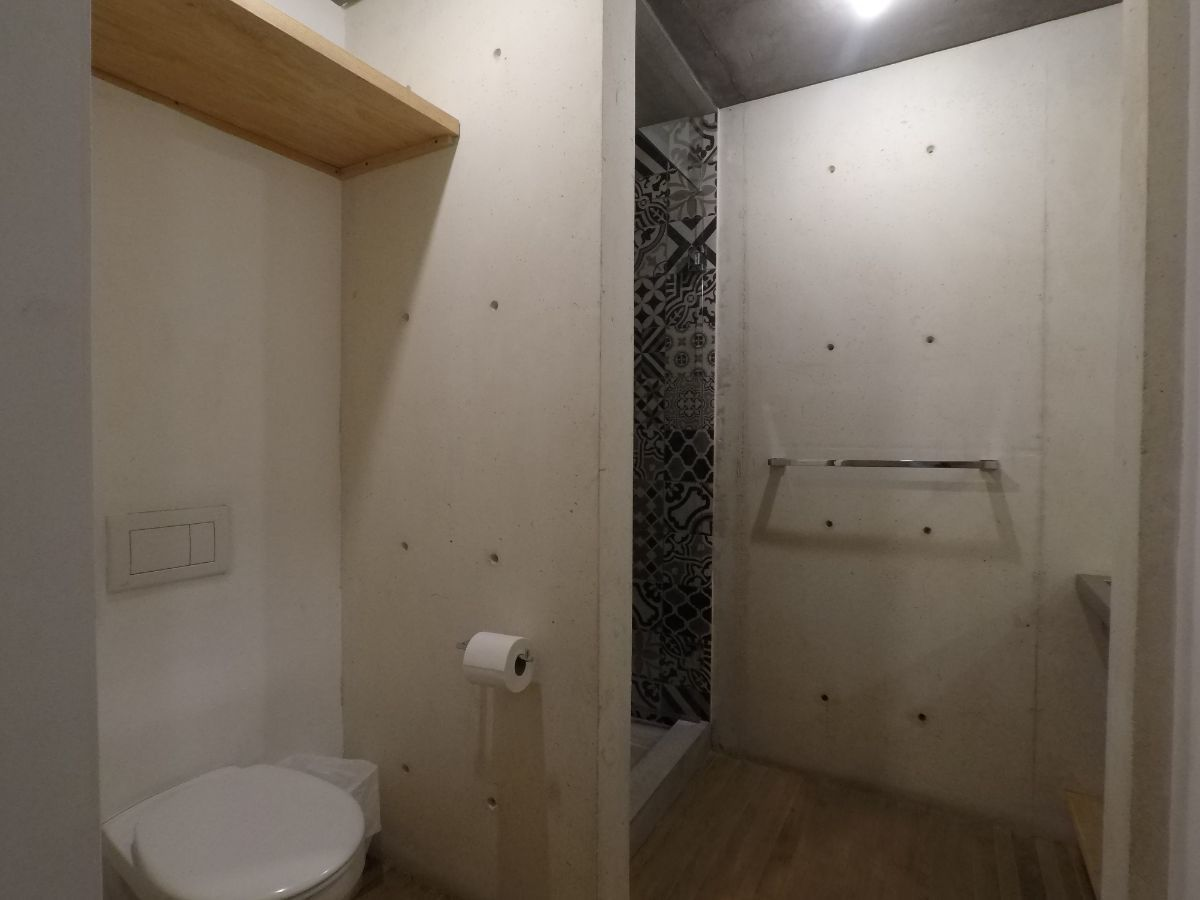 20 de 21: Baño Secundario.