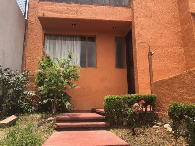 2 de 38: área de entrada de la casa