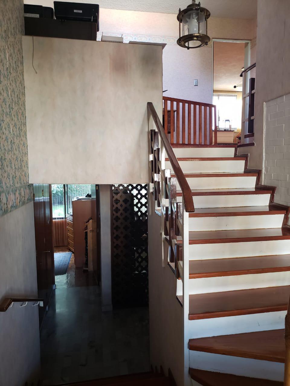 18 de 22: escaleras para el segundo nivel