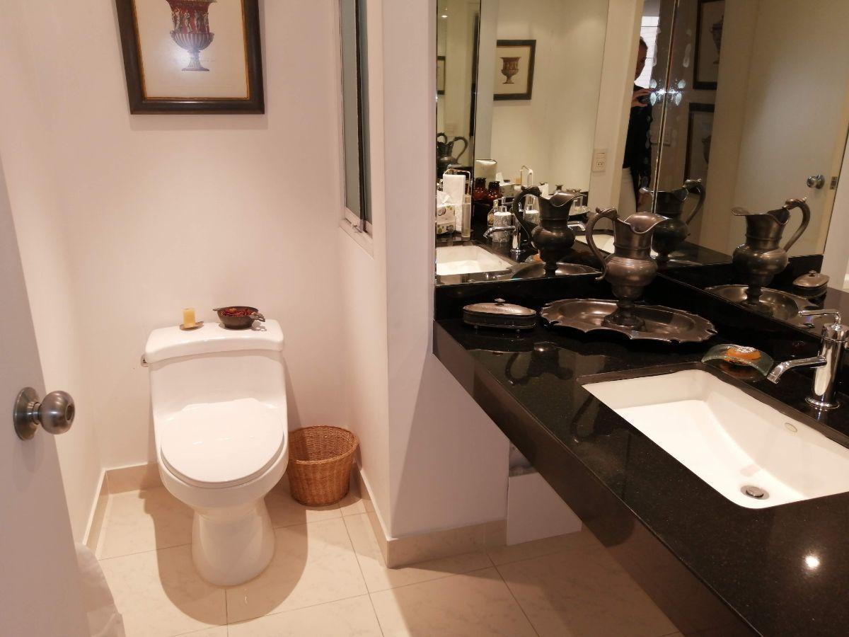 21 de 34: Lindo baño de visitas
