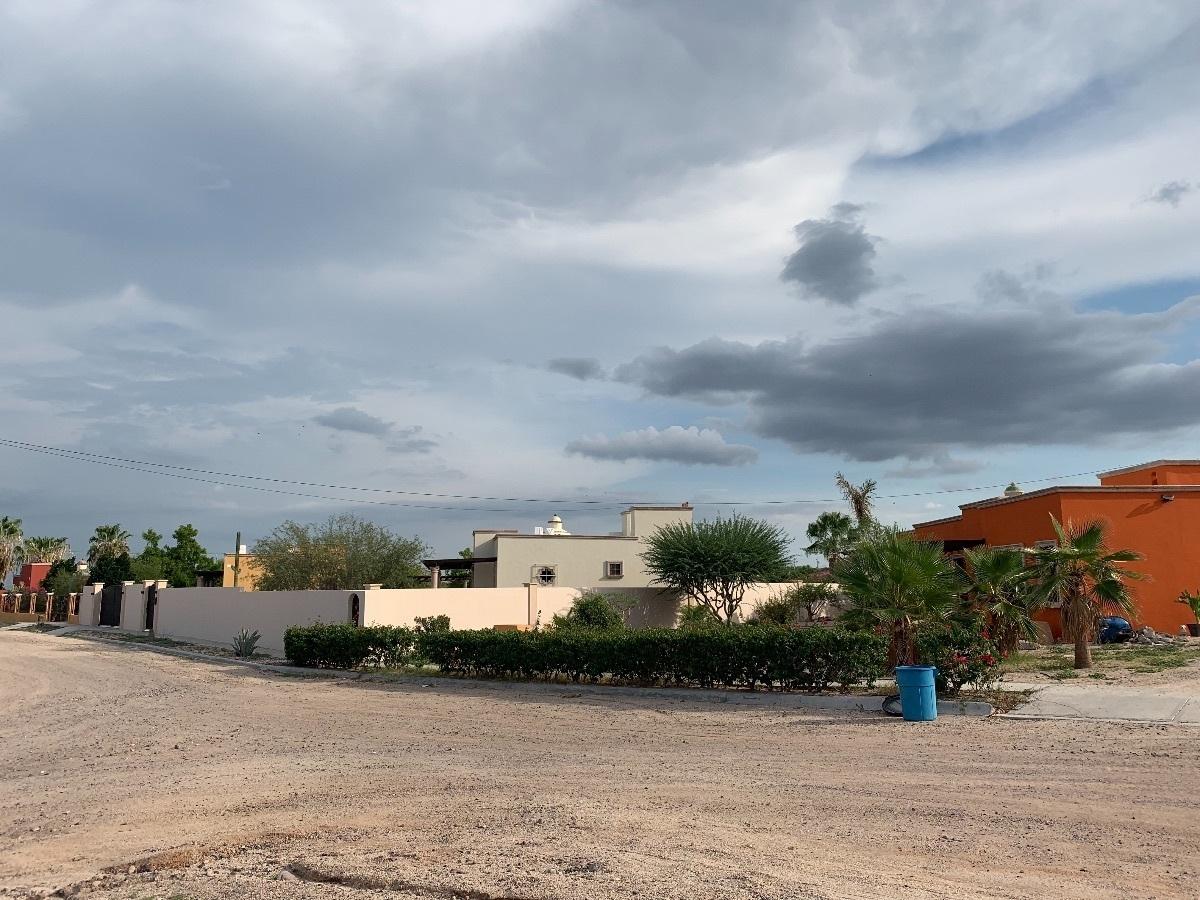 2 de 8: COMUNIDAD CON CASAS TIPO HACIENDA Y AGRADABLES VECINOS