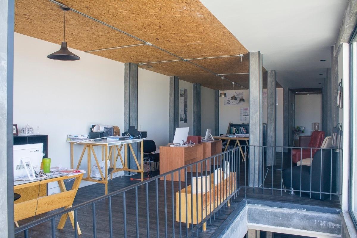 1 de 10: Moderno Edificio de Oficinas