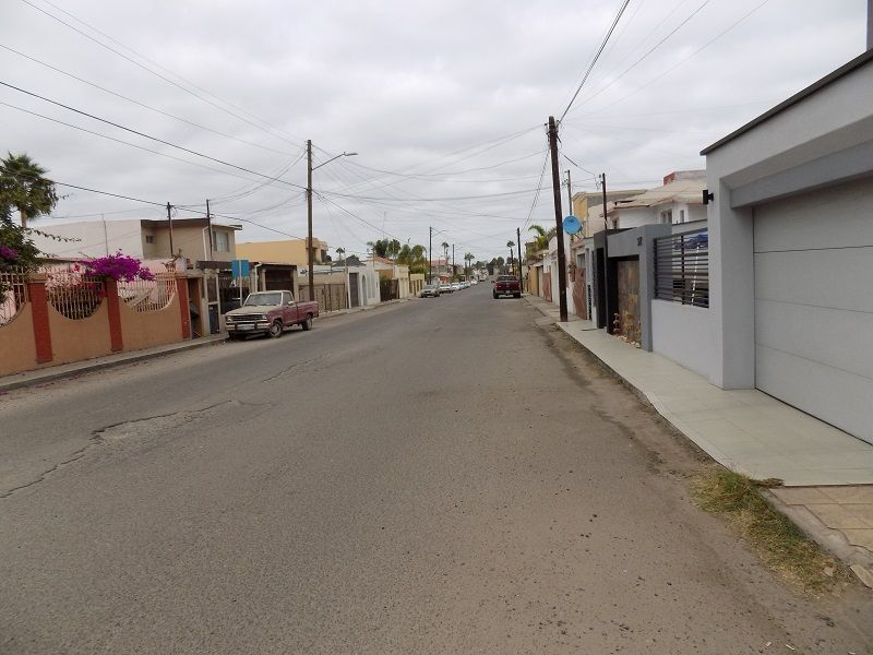 8 de 44: Calle Lago Constanza Oeste