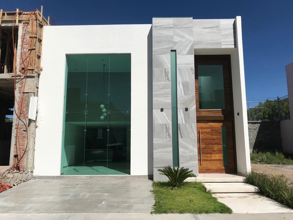 2 de 20: Renta Amplia Casa en Zona Plateada - nueva era bienes raices