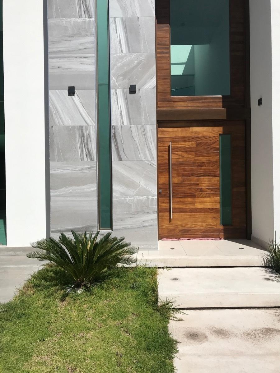3 de 20: Renta Amplia Casa en Zona Plateada - nueva era bienes raices