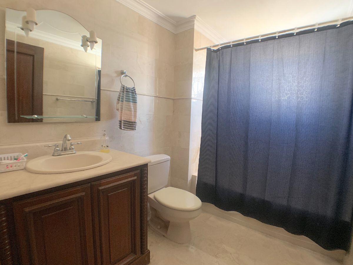 22 de 22: Baño habitación secundaria