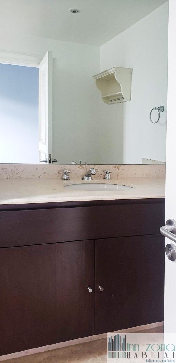 29 de 45: Baño en cada habitación