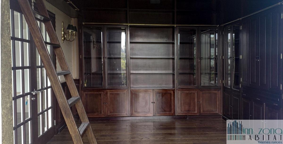 2 de 45: Oficina con acabados de lujo.