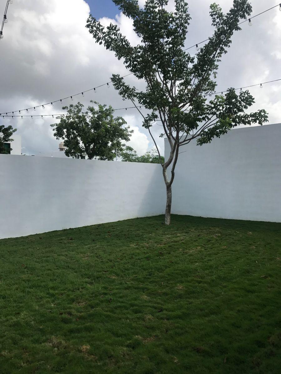 8 de 10: Jardín
