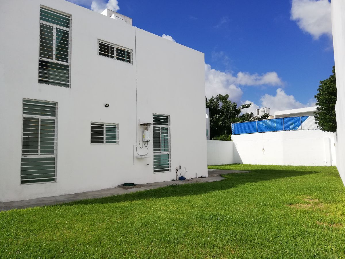 1 de 22: Casa en renta en Merida con amplio jardin