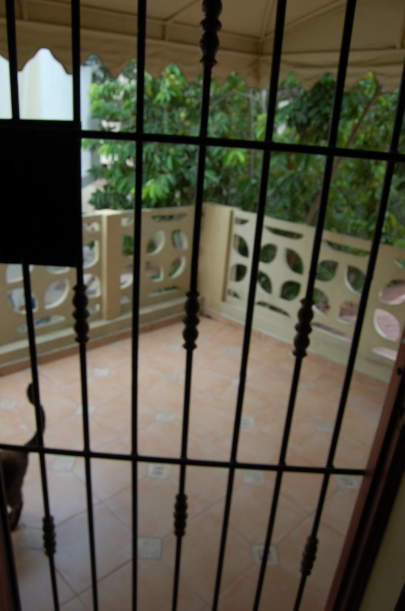 25 de 26: Balcón en habitación principal