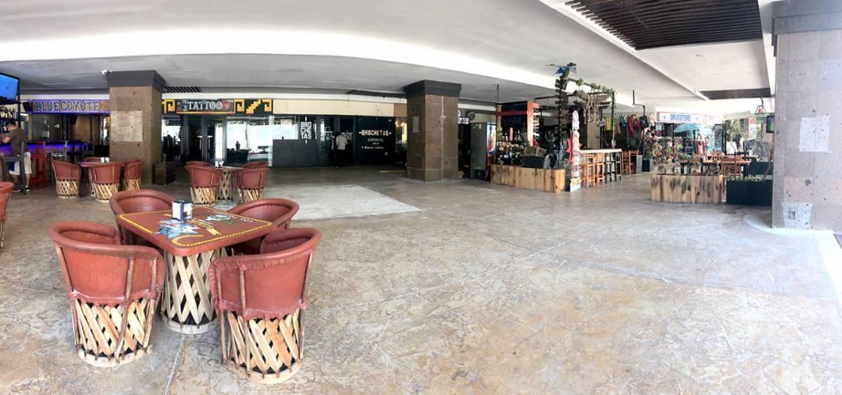 3 de 5: Terraza del local comercial